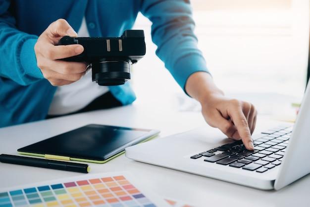 Photo artist and graphic desginer are working. Premium Photo