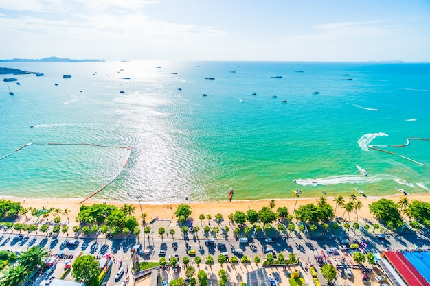 Photo of a beach town view from above Free Photo