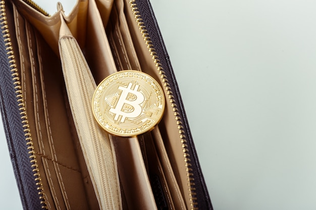 Photo golden bitcoin Premium Photo