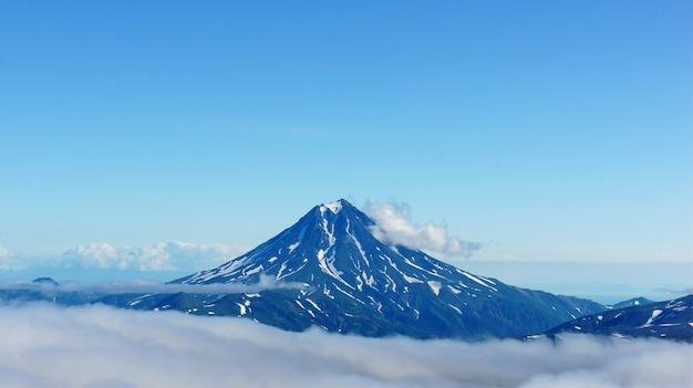 Photo of kamchatka volcanoes Premium Photo