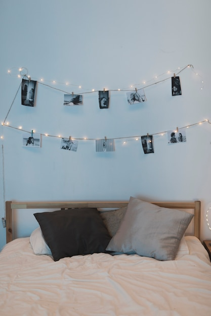 Photo rope hanged on top of bed Free Photo