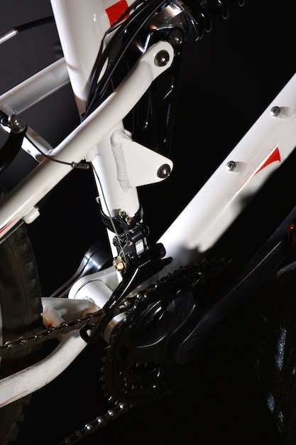Photograph parts of a white mountain bike Premium Photo