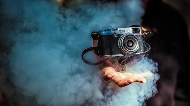 Photographic equipment and smoke Premium Photo