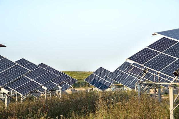 Fotovoltaico in centrale solare da energia naturale. Foto Gratuite