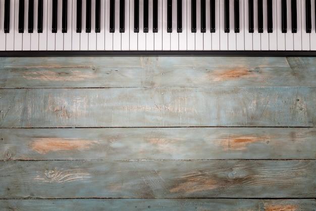Piano keyboard in wooden Premium Photo