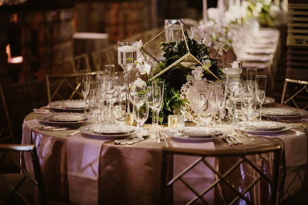 Picture of  the beautiful set the table in the restaurant Free Photo