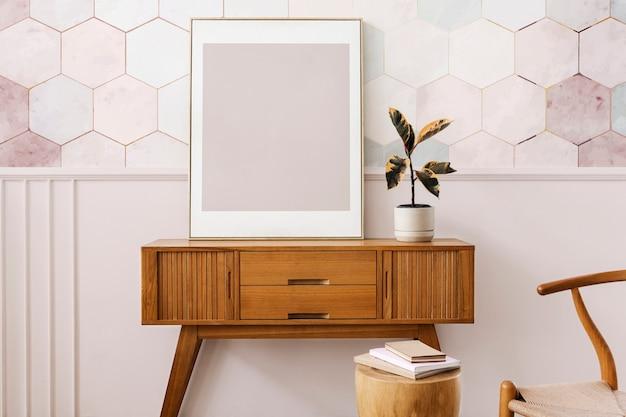 木製のサイドボードテーブルの額縁 無料写真