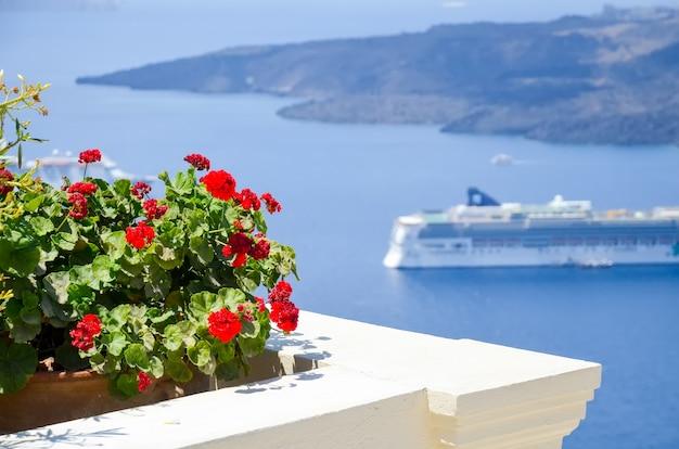 The picturesque island of santorini in greece Premium Photo