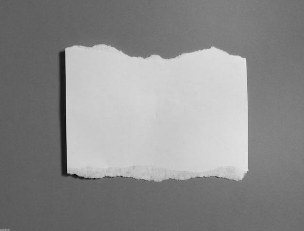 Кусочки рваной бумаги текстуры, копия пространства. Premium Фотографии