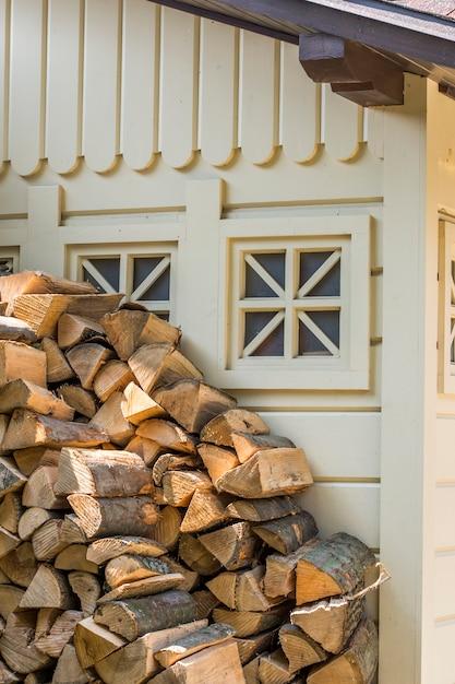 火のための木片 Premium写真