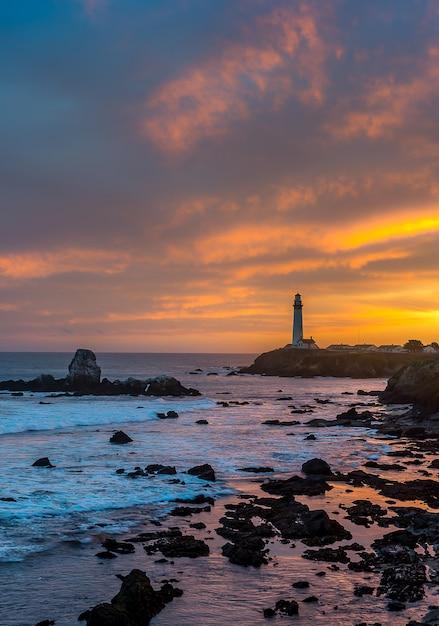 Pigeon point lighthouse, landmark of pacific coast Premium Photo