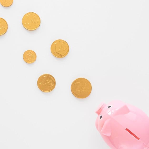 Salvadanaio che mangia monete Foto Gratuite