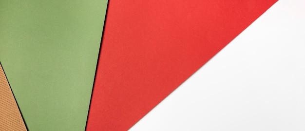 Pila di carte colorate vista dall'alto Foto Gratuite