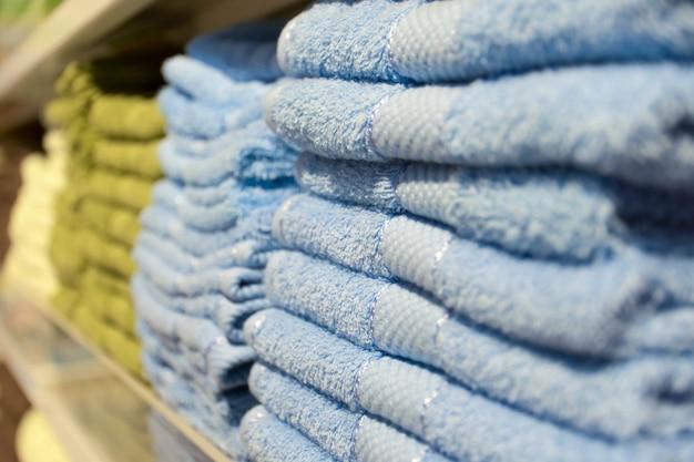 Куча полотенца Premium Фотографии