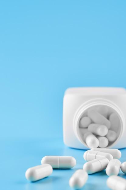 錠剤錠剤カプセルクローズアップ。 Premium写真