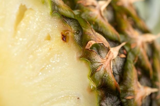 Мякоть ананаса сочная спелая свежая спелая идеально на сером Бесплатные Фотографии