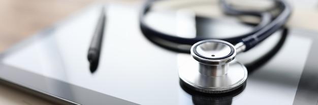 Плановое обследование в клинике Premium Фотографии