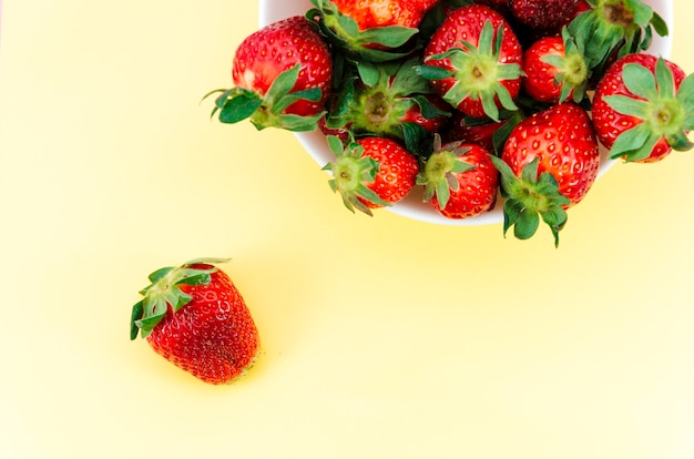 Plate of red strawberries Free Photo