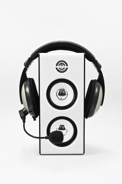 Play dancing voice speaker woofer Free Photo