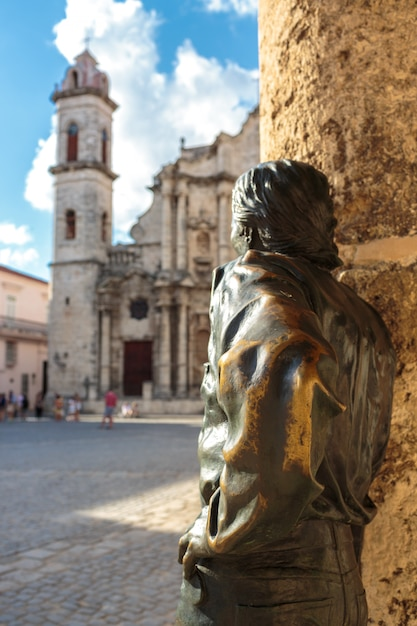 Plaza de la catedral in la habana Premium Photo