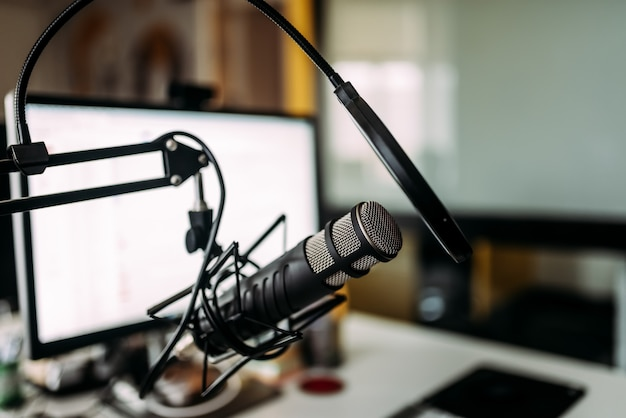 Podcasting concept Premium Photo