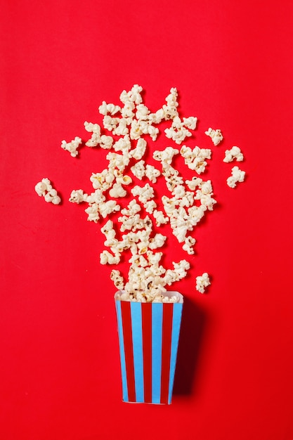 Popcorn on red Premium Photo