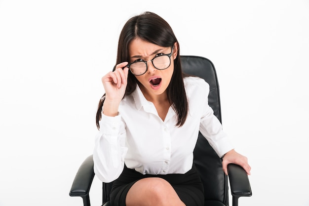 Portrait of an angry asian businesswoman Free Photo