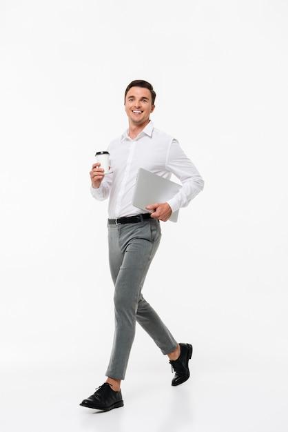 Portrait of an attractive joyful man Free Photo