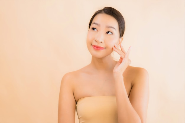Portrait beautiful young asian face woman with beauty spa concept Free Photo