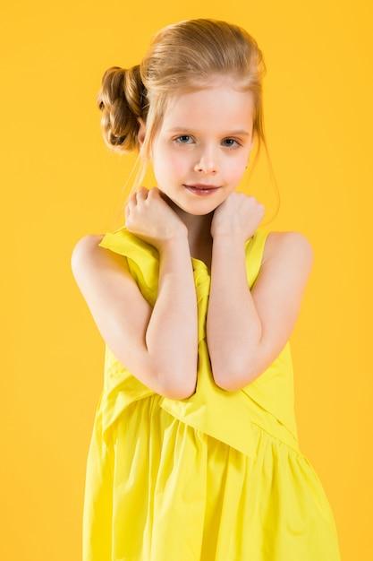 Portrait of a blonde girl in waist Premium Photo