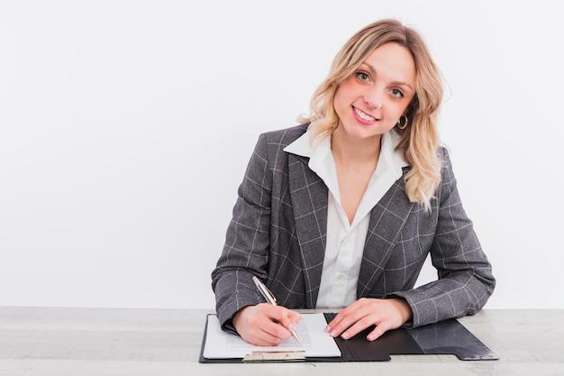 Portrait of businesswoman Free Photo