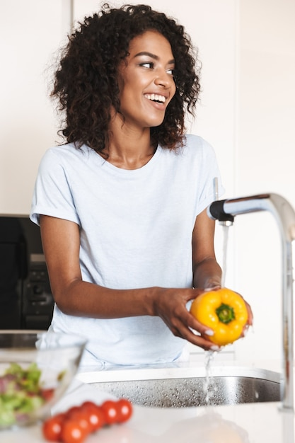 Portrait of a cheerful afro american woman Premium Photo