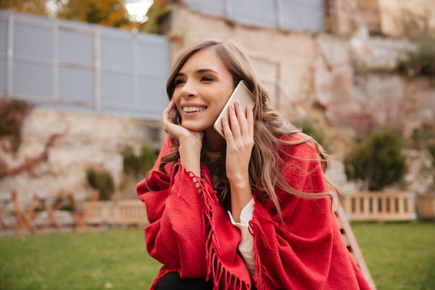 Portrait of a cheerful woman Free Photo