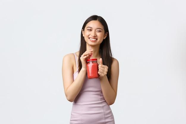 세로 표현 젊은 여자 무료 사진