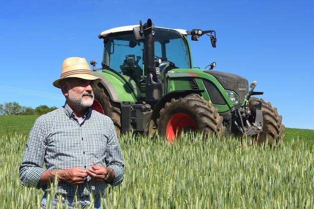 Portrait of a farmer on the field Premium Photo