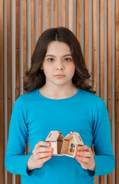 Portrait of girl sad for family breakup Free Photo