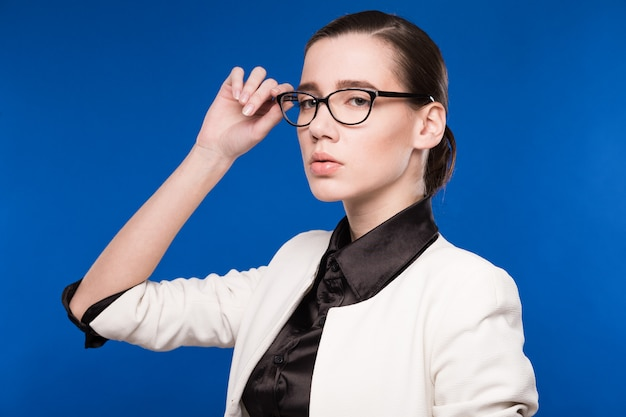 Portrait of a girl with glasses Premium Photo