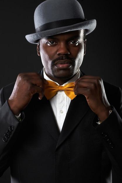 Portrait of handsome business black man in studio Premium Photo