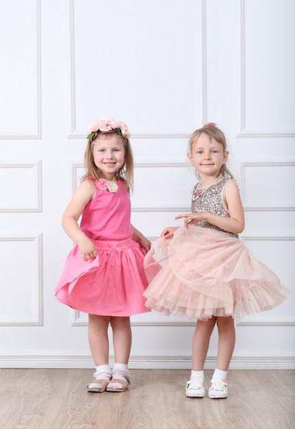 Ritratto di bambini felici Foto Gratuite