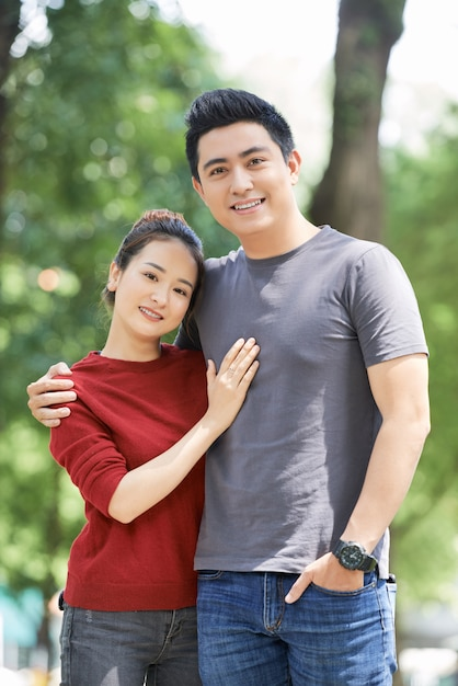 Portrait of happy young couple Free Photo