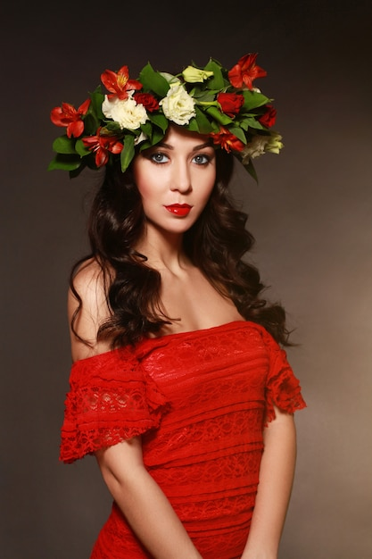 Portrait of ideal woman with a wreath of flowers Premium Photo