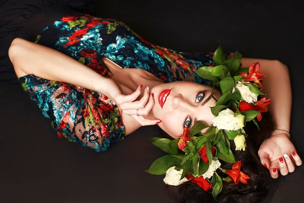Portrait of the ideal woman with wreath of flowers Premium Photo