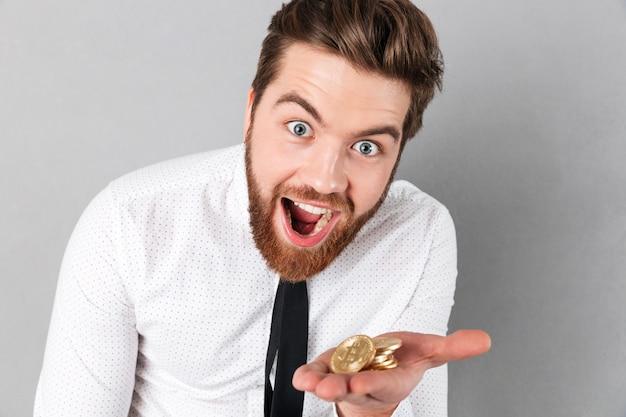 Portrait of a joyful businessman Free Photo