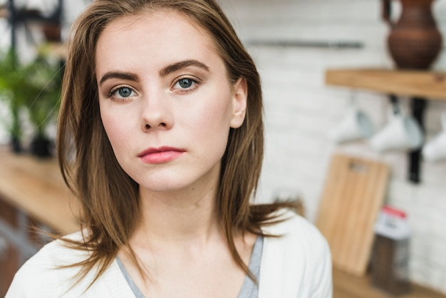 Portrait of a lesbian woman looking at camera Free Photo