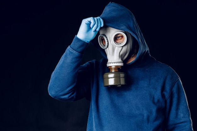 Portrait of a man in a gas mask. Premium Photo