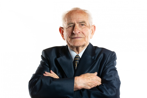 Портрет портрета серьезного красивого старшего человека 90 лет изолированного на белизне Premium Фотографии