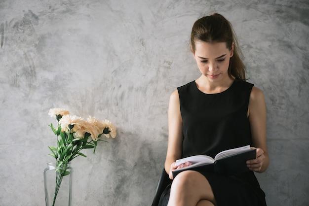 Αποτέλεσμα εικόνας για beautiful images for reading a book