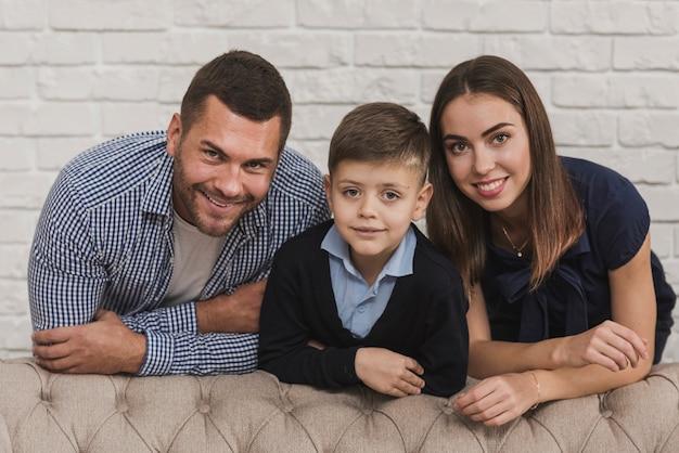 Портрет счастливой семьи вместе Бесплатные Фотографии