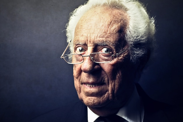 Portrait of an old man Premium Photo