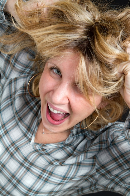 Portrait of a screaming woman Premium Photo